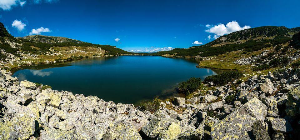 Lespezi pe malul Lacului Galcescu - Morar Daniel