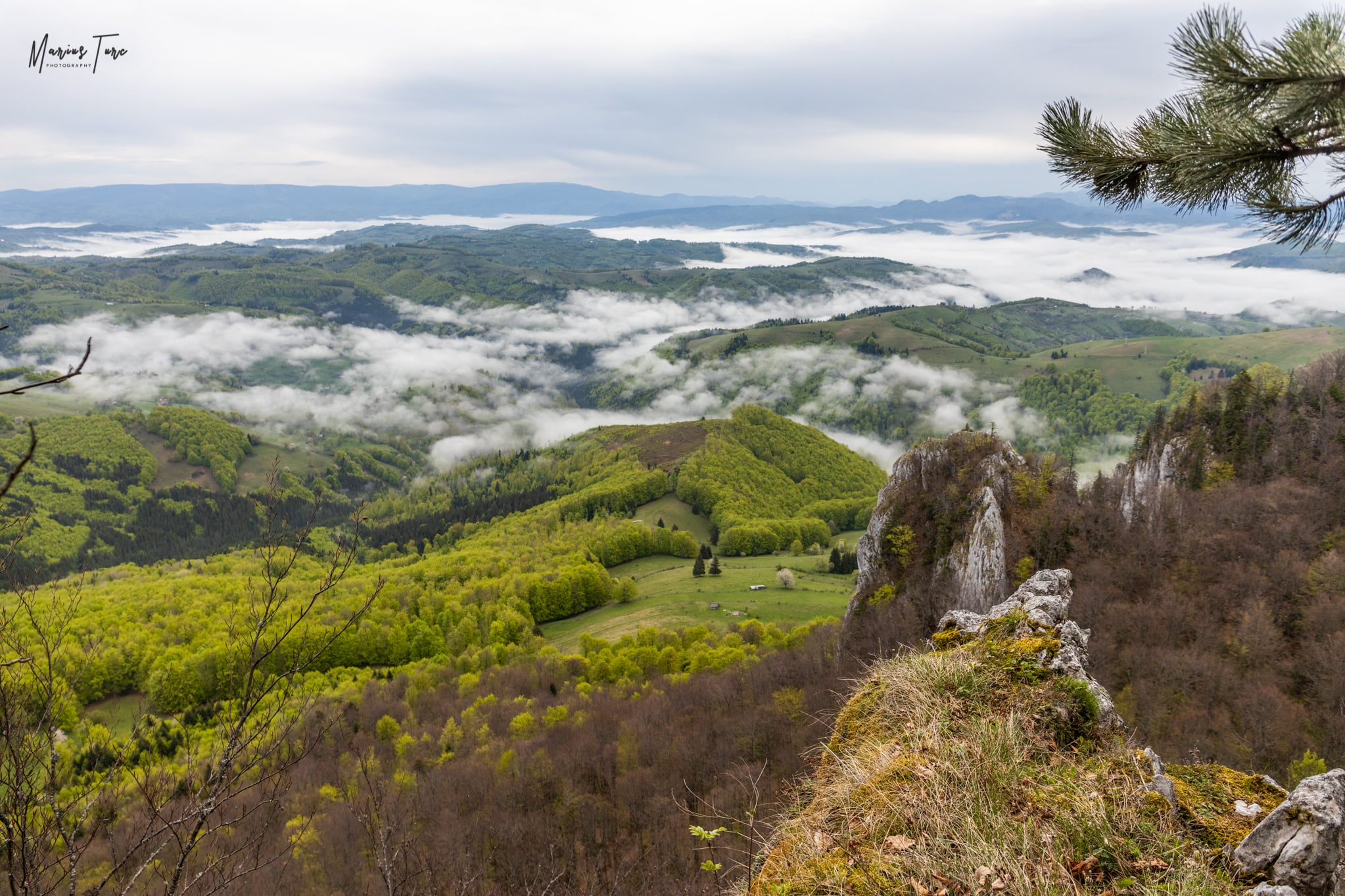 Punct de belvedere spre Valea Arieșului - Marius Turc