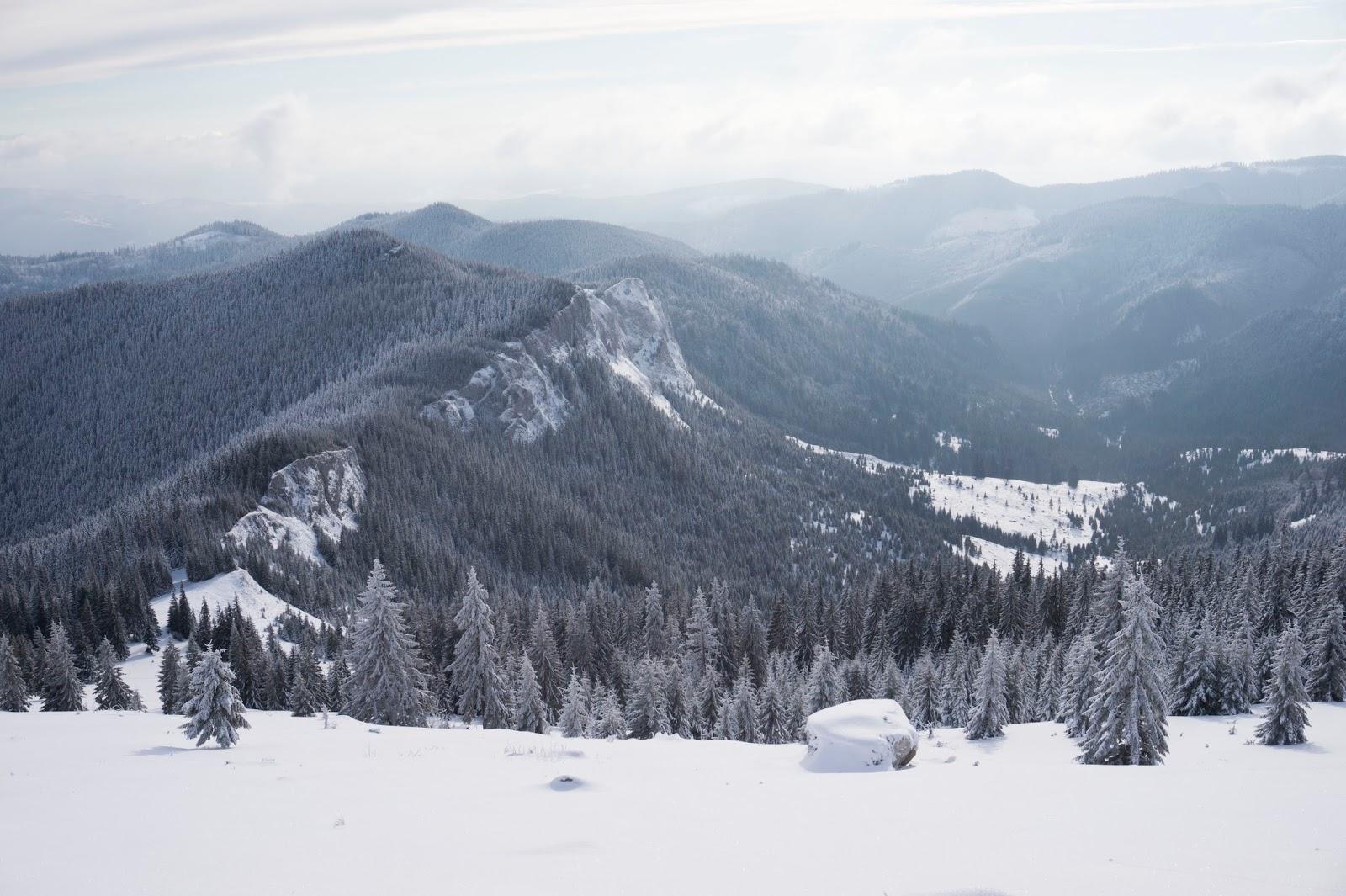 Pietrele-Albe-iarna-Vladeasa -  Banda Rosie