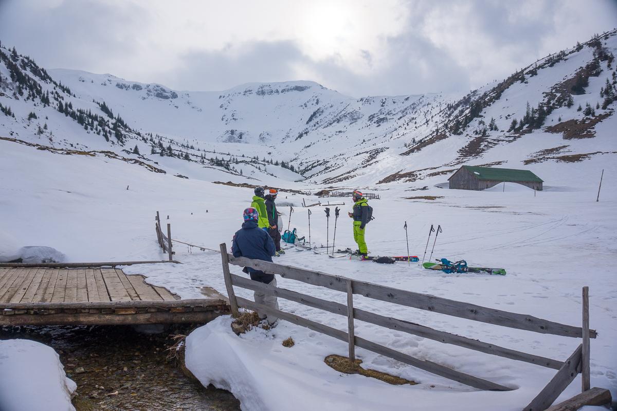 Pe schiuri în Căldarea Cailor - Alina Cîrja
