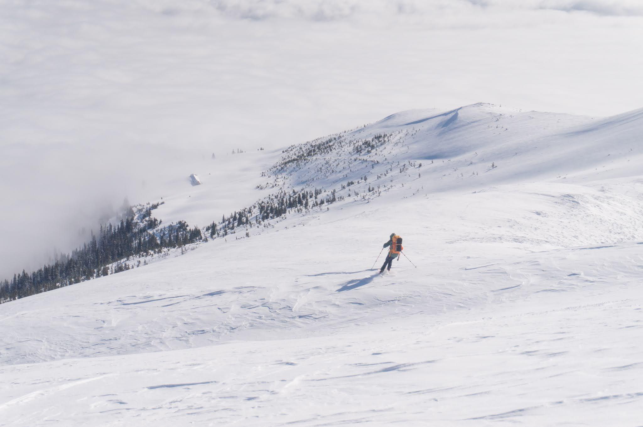 De pe vârful Roșu spre Alpina Blazna - Alina Cîrja