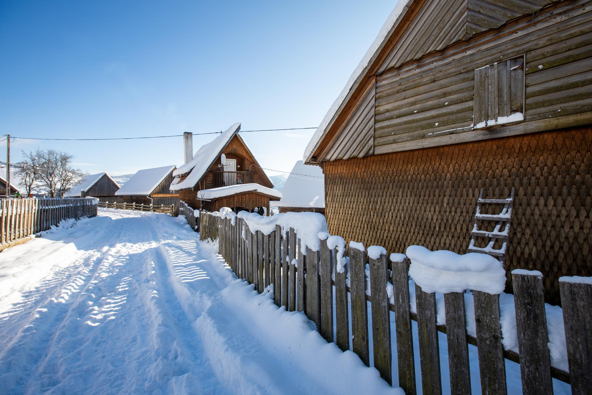 Iarna faina sus la moti - Marius Turc
