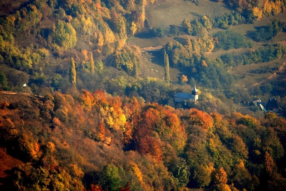 Biserica din Valea Uzei - Marian Poara