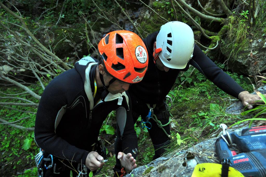 Instructaj canyoning - Aventura și Socializare