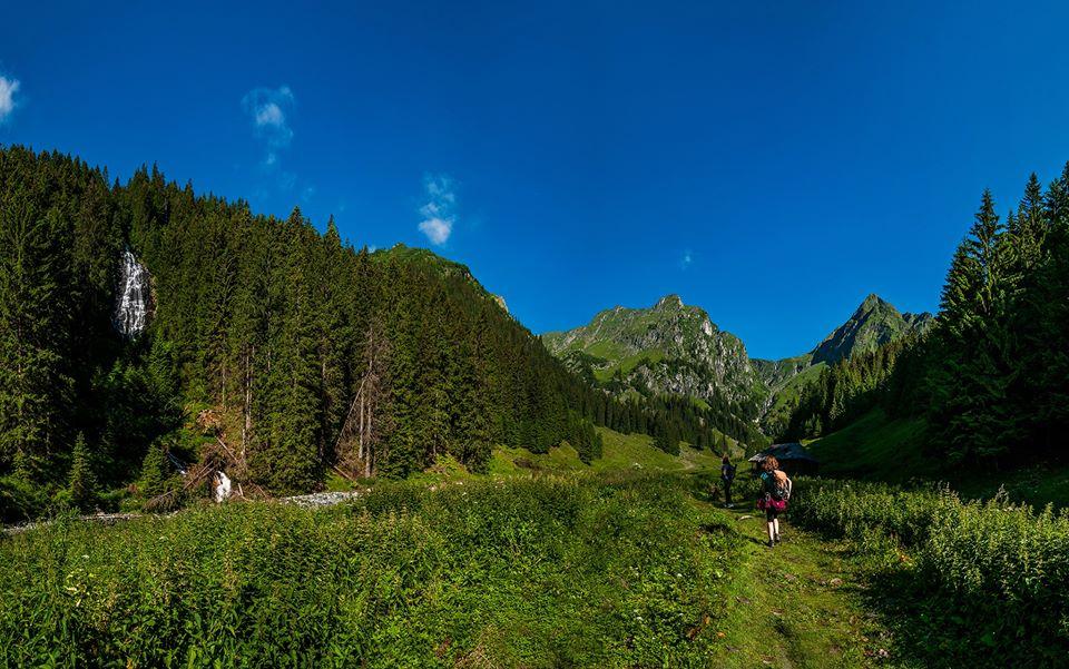 Cascada Zbuciumatu si urcarea pe Valea Rea -  Morar Daniel