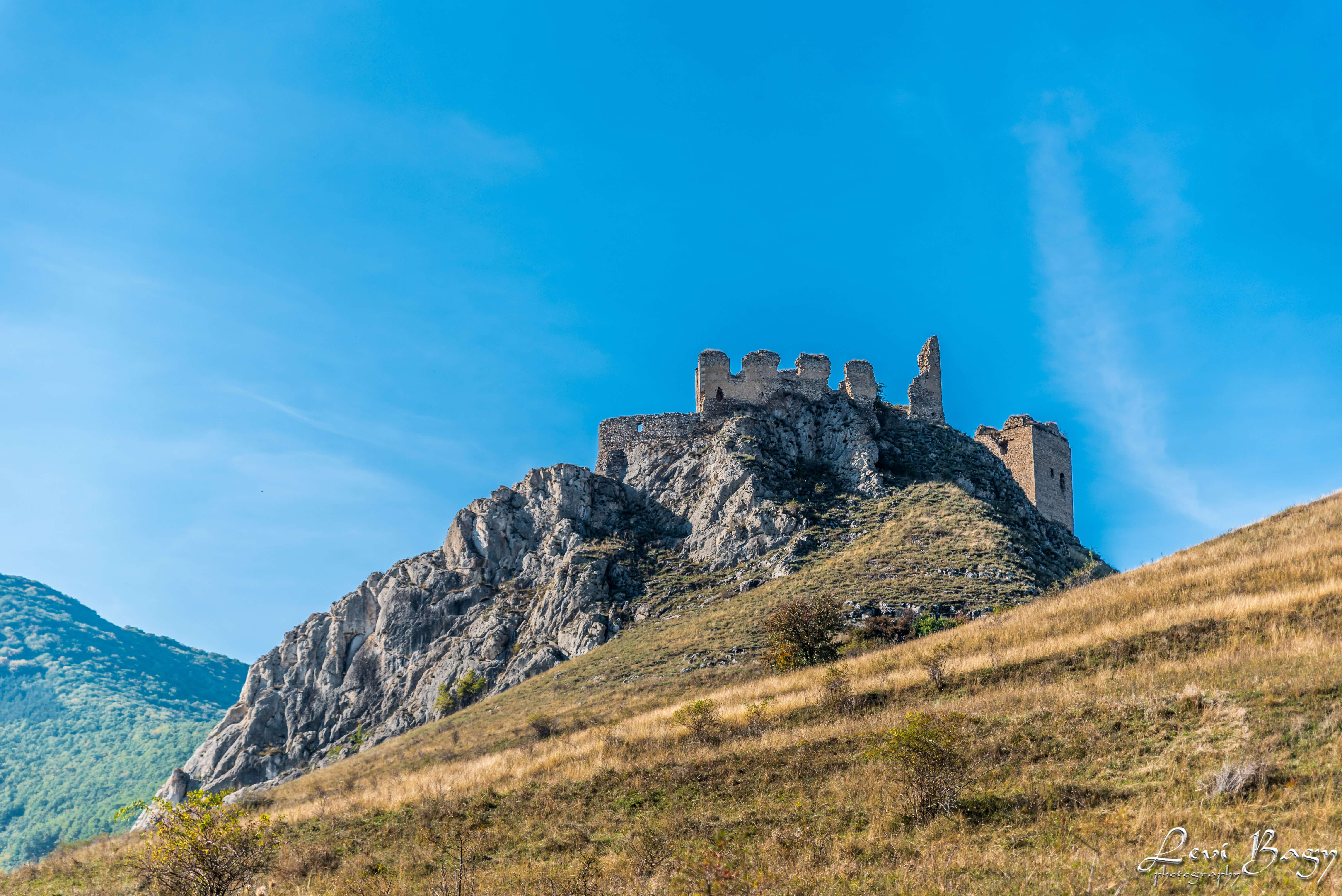 Cetatea Coltesti - Levi Bagy Photography