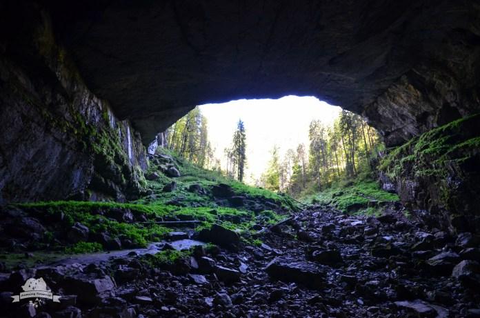 Peștera Colba Mare - Amazing Romania
