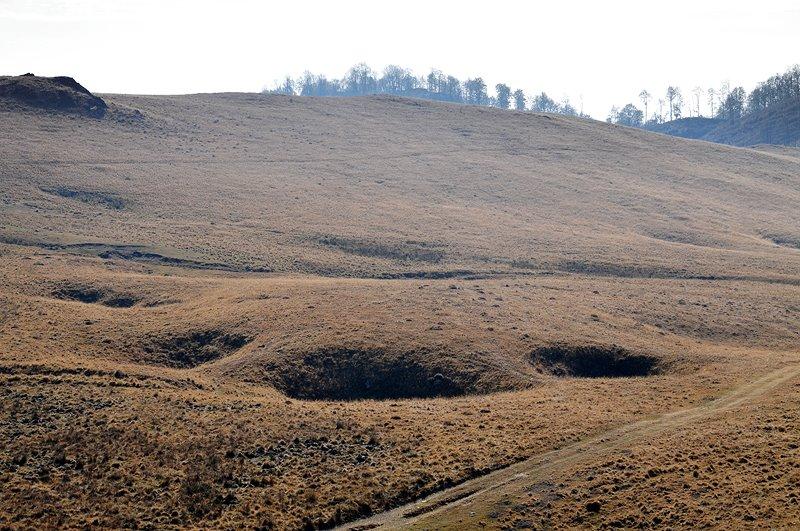 Doline in platoul carstic Ciumerna - Daniel Morar