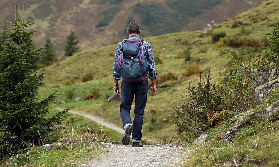 Hiker (c) Unplash
