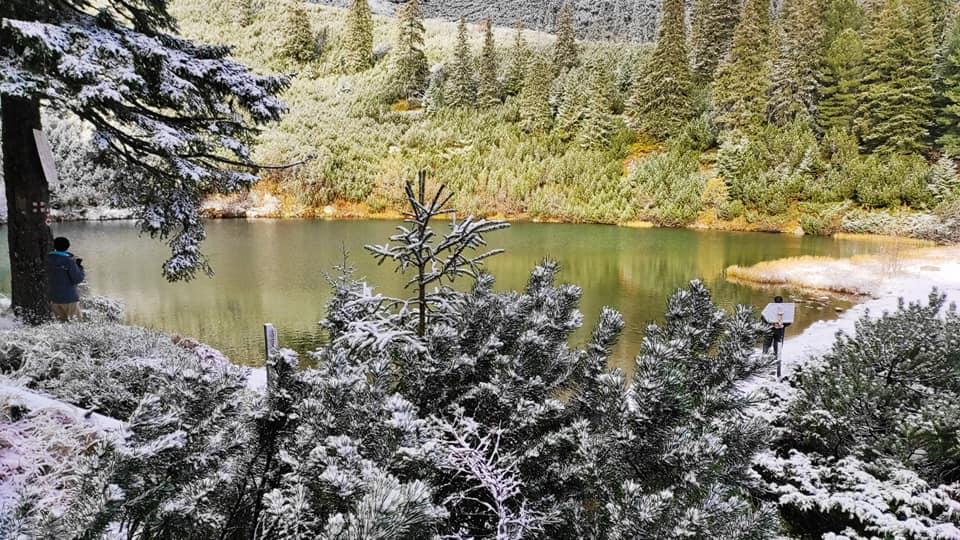Iezerul Sureanu la prima ninsoare - Szabolcs Szikszay