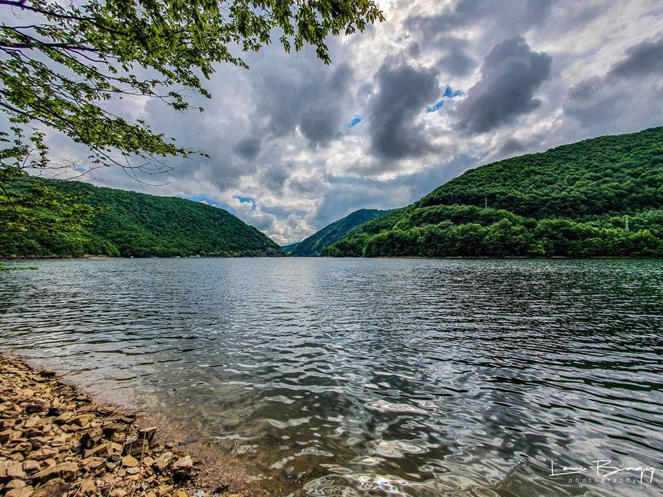 Malul Lacului Tarnita - Levi Bagy Photography