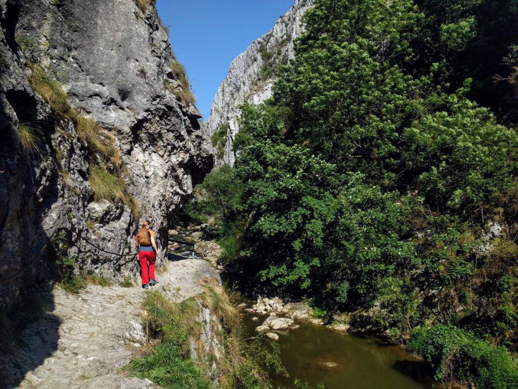 Cheile Turzii pe firul apei - Greu la Deal