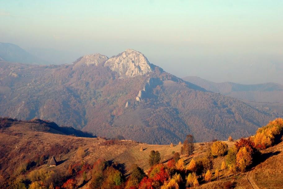 Piatra Butanului,dinspre Valea Fagetului - Marian Poara