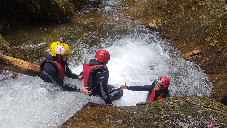 Canyoning Porumbacu - Mares Outdoor Events