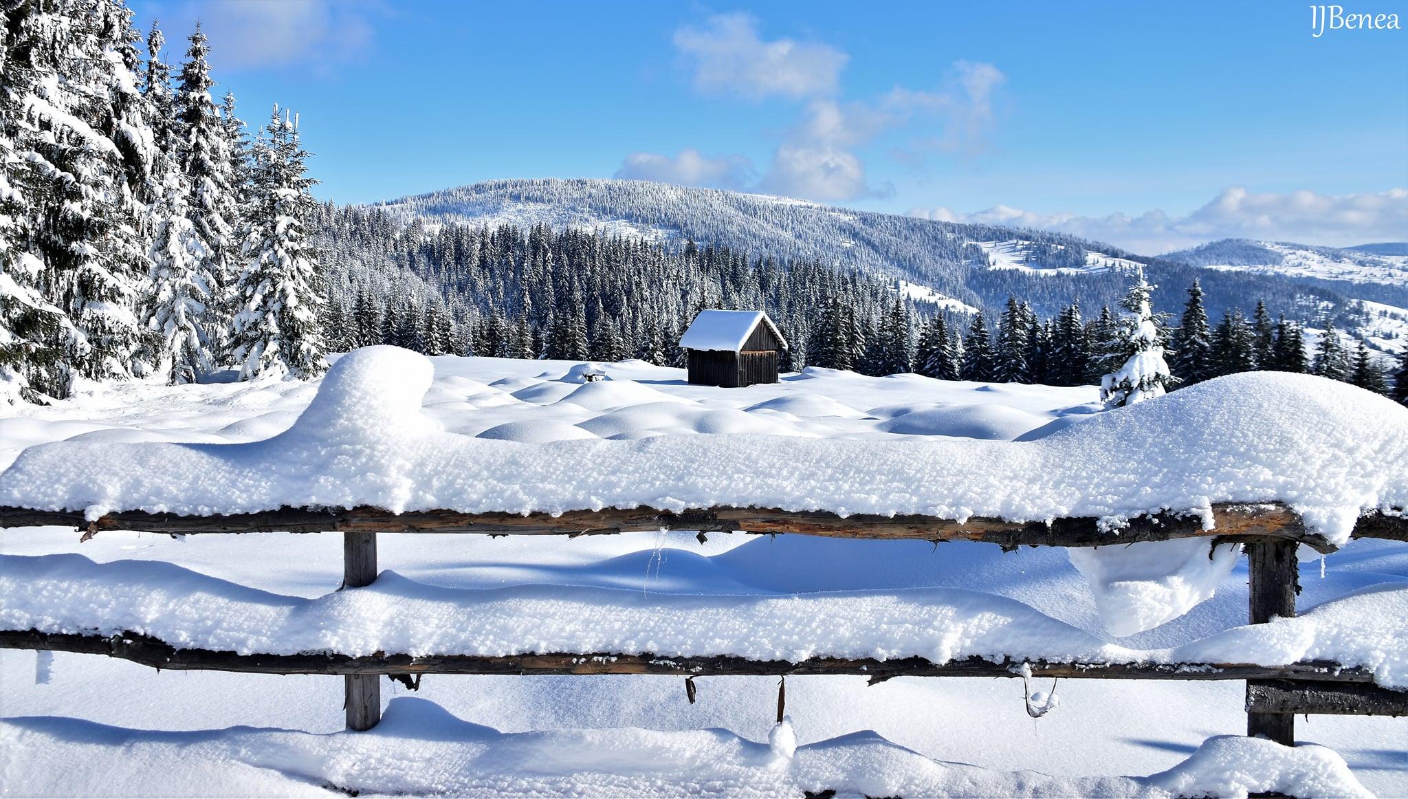 Privelisti ca-n povesti dincolo de vale - Ioan Benea Jurca