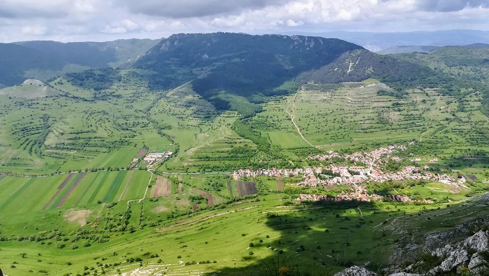 Rimetea și Ardașcheia văzute de pe piatra Secuiului - Gherman Daniel