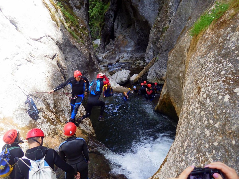 Canyoning salturi in apa - Arian Adventures