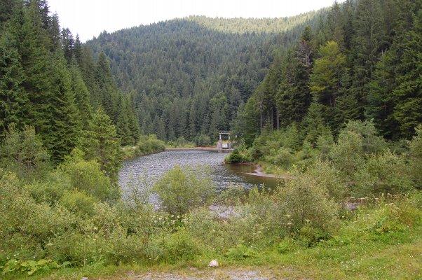 13 Barajul si Lacul de Acumulare Carligate