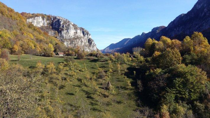 32 PG Catun in munti Cernei.jpg