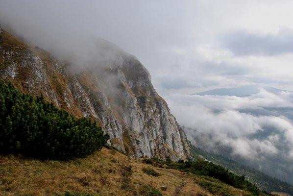 Perete vestic sub muntele Batrana - 27,28.JPG