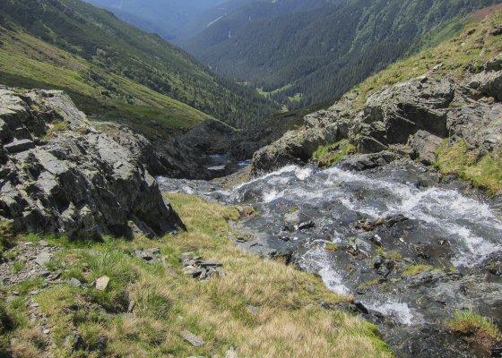 07mn img 15ca valea izvorul scarii 0