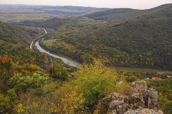 _10MN_Valea Ariesului vazuta de pe Vf. Coltu Corbului - 38.jpg