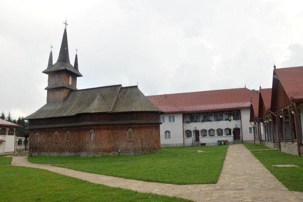 22mn img 10cr - manastirea oasa