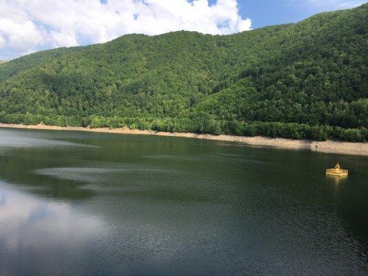 23mn img 21pr lacul gura raului 0