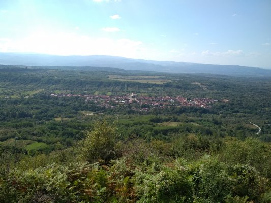 25mn img 12tg satul turnu ruieni vazut de la donjonul medieval 0