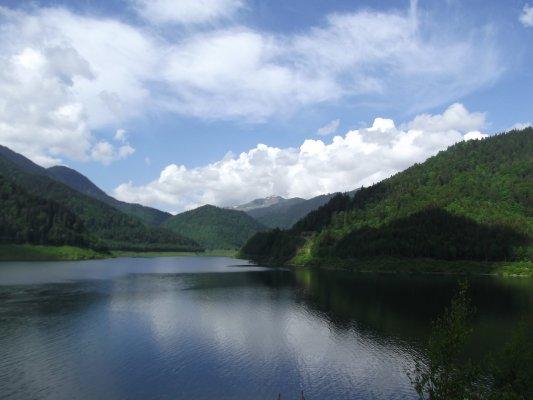25mn img 21cr vedere spre muntii tarcu din zona barajului tomeasa 1