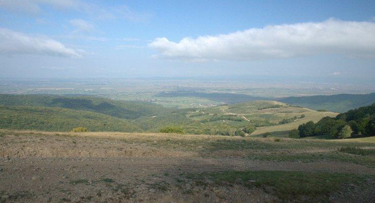 26mn img 06pa panorama de pe creasta varfului pilisca