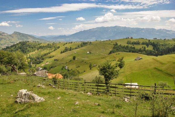 _2MN_Spre satul Magura si Muntii Bucegi - 23.jpg