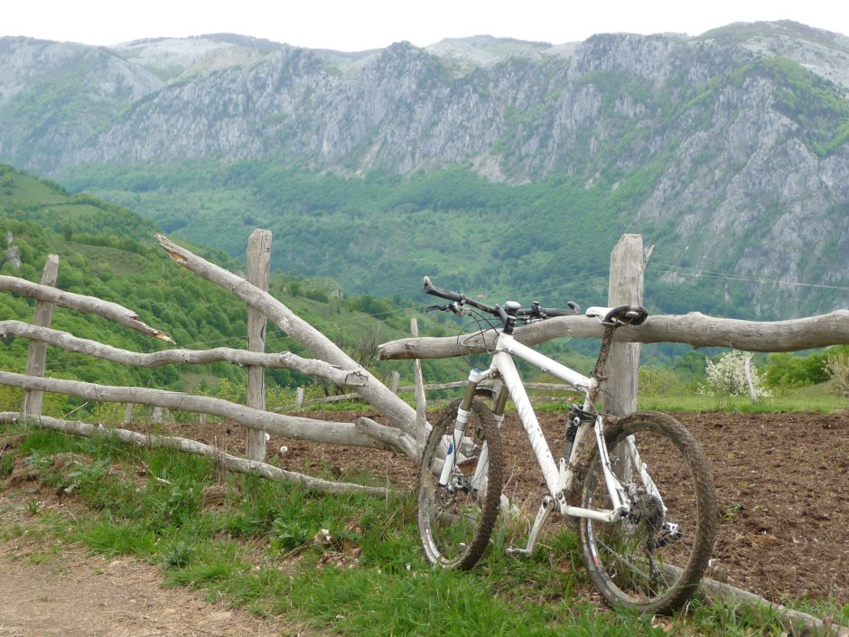 2MB img 27-Peisaj-spre-Valea-Cernei