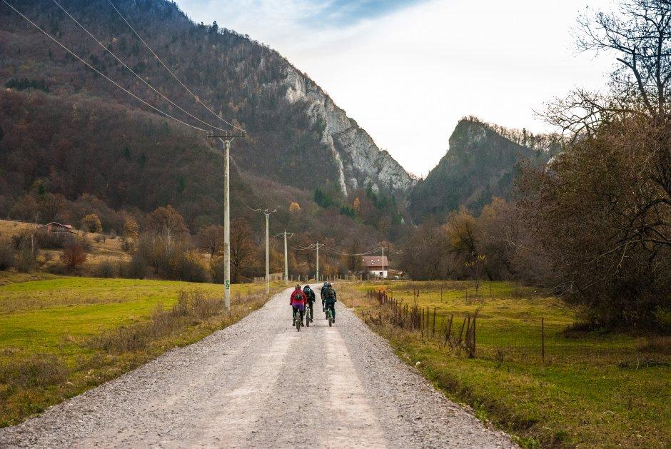 3MB Pe-Valea-Cheii-cu-bicicletele-03
