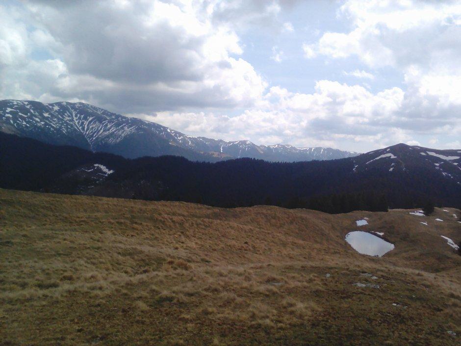 01mn img 63 bg - lacul domnitei de pe muntele albescu