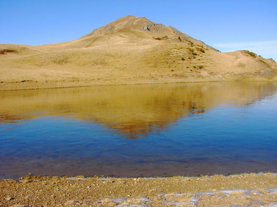 08mn img lacul vinderel si varful farcau - 03 0
