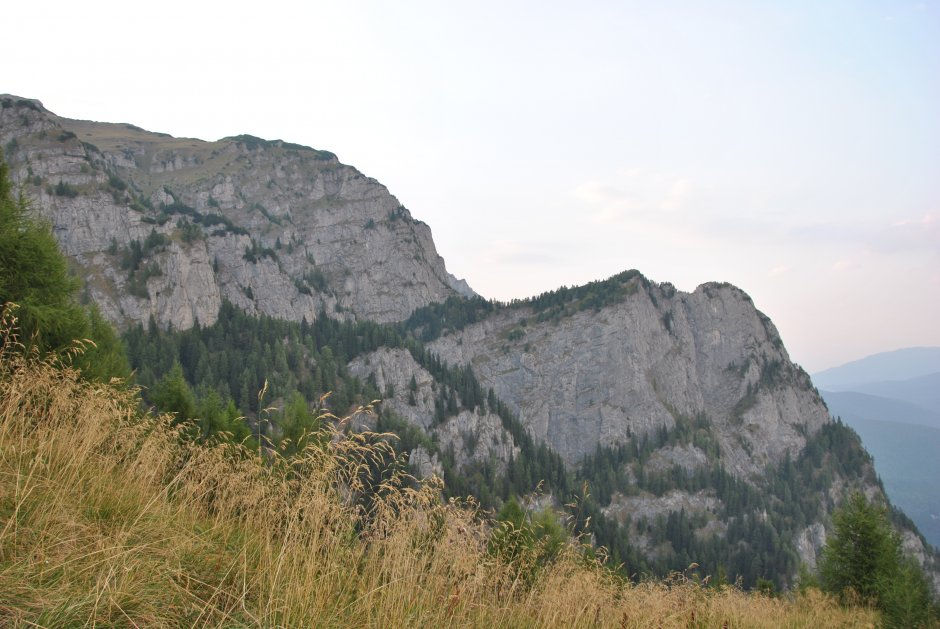 1mn img peretele sudic al muntelui jepi - 2