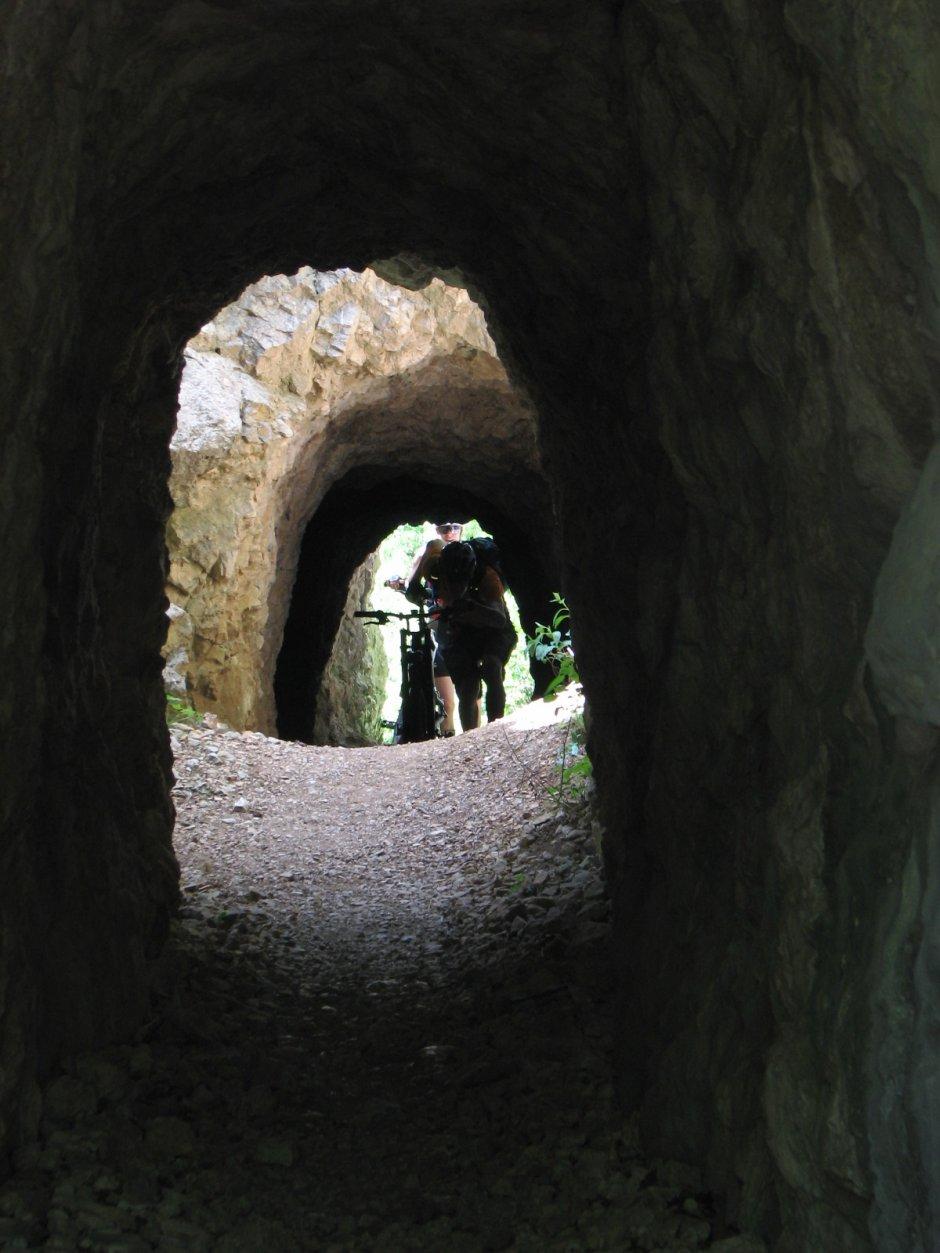 2mb img 13 tunelurile turcesti in cheile nerei