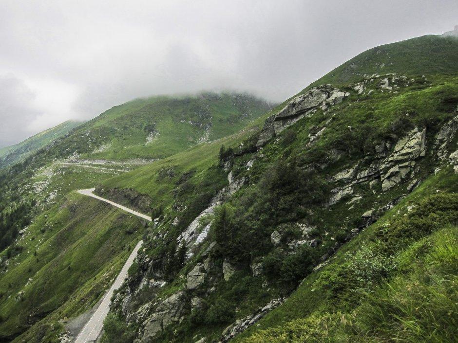 7mn img urcare din transfagarasan spre lacul capra - 40