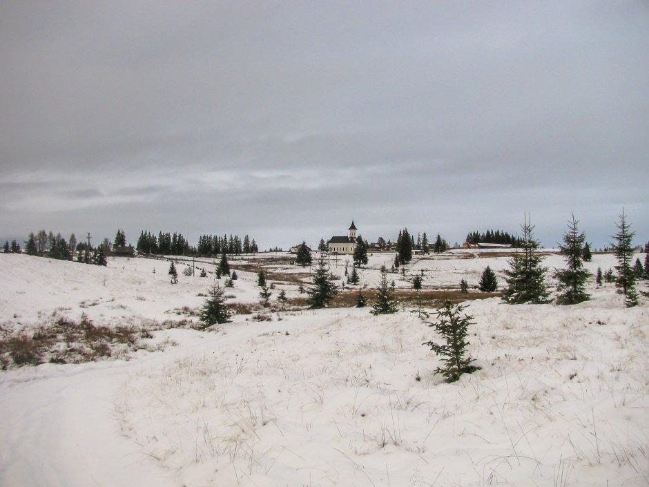 vedere spre manastirea rasca de sub dealul ciunca 23