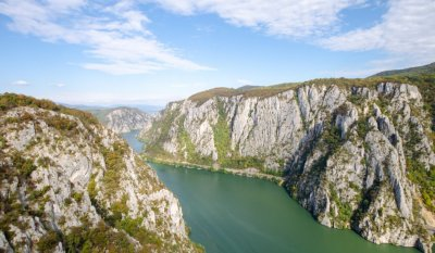 Drumeție pe Ciucarul Mare – cea mai frumoasă priveliște cu Cazanele Dunării și Golful Dubova