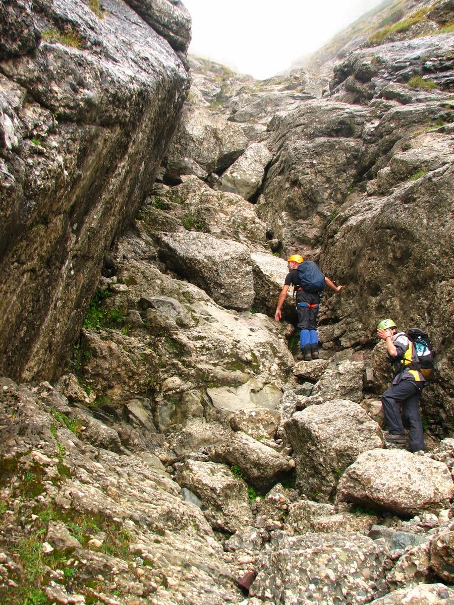 Valea Galbinele - mici saritori