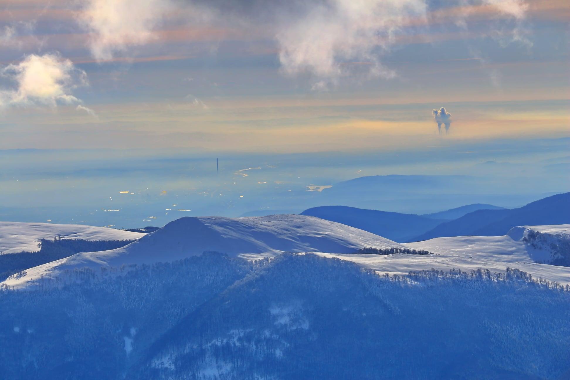 Vedere spre Targu Jiu și Centrala de la Rovinari - Liana Marin